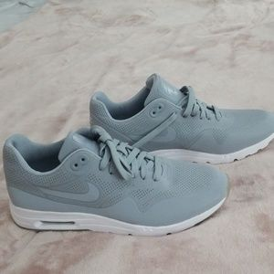 56e5a5f74e91 Nike shoes AIR MAX 9.5